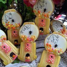 #gingerbreadart #keepsake #gifts #decoratedcookies #royalicingcookies…