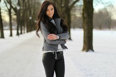 Leather pants http://stina.blogg.no/1422973407_outfit_rock_that_cute.html