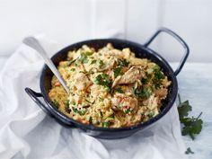 Valmista puolessa tunnissa! Säästä myös tiskiä, sillä monipuolien ateria valmistuu yhdessä isossa pannussa! Maukasta perusruokaa koko perheelle.