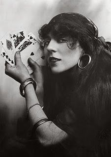 Reprint Of Old Photo Florence Lee Fortune Teller Poses! Reprint Of Old Photo Here is a neat collectible of Florence Lee, a vintage fortune tell Vintage Gypsy, Look Vintage, Vintage Circus, Vintage Carnival, Vintage Woman, Vintage Images, Gypsy Fortune Teller, Inspiration Artistique, Gypsy Women