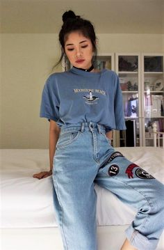 Best Punk outfits ideas - vintagetopia Clothes are something that makes you look even more special, and your wardrobe will appear classy with a grand assortment of vintage clothes. Punk Outfits, Indie Outfits, Grunge Outfits, Casual Outfits, Hipster Outfits, Hipster Ideas, Grunge Clothes, Outfits With Mom Jeans, 90s Mom Jeans