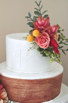 Bolo Cake, Desserts, Food, Decor, Groom Cake, Tailgate Desserts, Deserts, Decoration, Essen