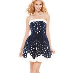Betsy Johnson dress net Brand new with tags smoke and pet free home...Betsy Johnson navy blue dress Betsey Johnson Dresses Strapless