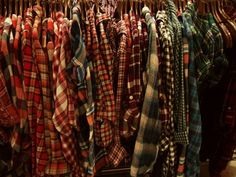Oversized Vintage flannels!  Great addition for this season!  you will receive a hand picked vintage oversized flannel. when purchasing,