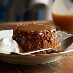 Five Approaches To Economize Transforming Your Kitchen Area Sticky Toffee Pudding: The Molasses And Date Pudding Is Served With A Sweet Sauce In This Holiday Dessert. Dark Chocolate Almonds, Chocolate Lava Cake, Date Pudding, Figgy Pudding, Pudding Cake, Mango Dessert Recipes, Christmas Fudge, Christmas Baking, Holiday Recipes