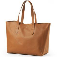 Le sac à Langer Chestnut Leather  de la marque Elodie details vous permettra d'avoir tout le nécessaire de votre enfant à portée de main, en promenade ou en week-end ! Fonctionnel et chic, il ne vous quittera plus.