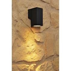 Diese Leuchte ist geeignet für Leuchtmittel der Energieklassen: A++ (sehr effizient) bis E (weniger effizient)Die Leuchte wird verkauft mit einem Leuchtmittel der Energieklasse CLichtstrom: 350 Lumen je LeuchtmittelLeistungsaufnahme: 35 Watt je LeuchtmittelMittlere Nennlebensdauer: 2.000 StundenLichtfarbe: 2.900 Kelvin (warmweiß)Schaltzyklenanzahl: 20.000xFassung/Leuchtmittel: 1 x GU10 max. 35 Watt (inklusive Leuchtmittel)Geeignet für: LED Leuchtmittel, Eco-Halogen Leuchtmittel…