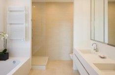 We want a new bathroom on pinterest bathroom met and tubs - Badkamer indeling ...