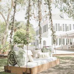 Outdoor wedding decor | Charleston Weddings | Explore Charleston