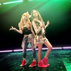 "Zendaya & Bella Thorne's video for ""Contagious Love"" premieres Friday on Disney Channel! Bella Thorne Video, Bella Thorne And Zendaya, Disney Channel Stars, Disney Stars, Belle Thorne, Shake It Up, Zendaya Style, Nostalgia, Zeina"