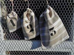 Lot de trois pochons en toile à matelas ancienne numérotés 1, 2, 3, Textiles, Couture, Deco, Etsy, Crochet, La Perla Lingerie, Stuff Stuff, Dishcloth, Monogram