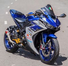 Auto repairs can seem complex and intimidating at first, but really the basics aren't too difficult! Learning more about auto repairs can help you save a Kawasaki Bikes, Yamaha Motorcycles, Cars And Motorcycles, Moto Bike, Motorcycle Bike, Valentino Rossi, Yamaha Sport, Yamaha Yzf R6, Super Bikes