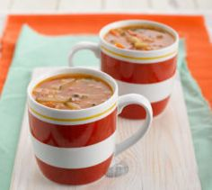 Your Family has been creating delicious recipes for busy women since the and has a huge repertoire of nutritious, easy and lip-smacking recipes on hand! Easy Soups To Make, Quick And Easy Soup, Soup Mixes, Saute Onions, Bean Soup, Cheeseburger Chowder, Beans, Yummy Food, Dinner