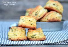 Pogacele cu spanac Scones, Breads, Muffin, Appetizers, Breakfast, Sweet, Desserts, Recipes, Food