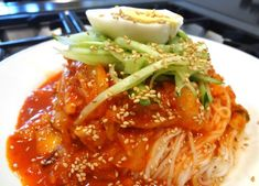 Korean noodle recipes from Cooking Korean food with Maangchi Maangchi Recipes, Spicy Recipes, Korean Recipes, Meal Recipes, Yummy Recipes, Vegetarian Recipes, Korean Dishes, Korean Food, Korean Noodles