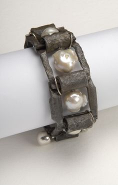 Bracelet  by Willem Heyneker - Found steel (rusted chain links)fresh water baroque pearls