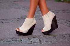 cream heeled shoes for ten year old girls   high heels 12 All heels report to my closet immediately (29 photos)