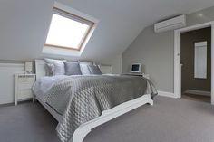 London bedroom loft conversion via Loft Conversion Bedroom, Attic Conversion, Loft Conversions, Loft Room, Bedroom Loft, Barn Bedrooms, Modern White Bathroom, Loft Bathroom, Bathroom Marble