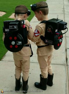 Coolest Homemade Costumes for DIY Costume Enthusiasts My twins love everything Ghostbusters, so, their costume choice was a no brainer! I used a white sweatsuit dyed with fabric dye. (This took severa. Diy Couples Costumes, Kids Costumes Boys, Family Halloween Costumes, Boy Costumes, Halloween Kids, Diy Boys Costume, Haloween Party, Funny Costumes, Mermaid Costumes