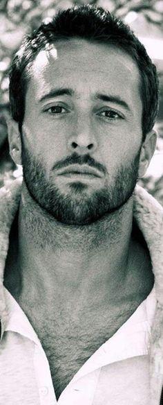 Alex O'Loughlin #Australia #celebrities #AlexOLoughlin Australian celebrity Alex O'Loughlin loves http://www.kangabulletin.com