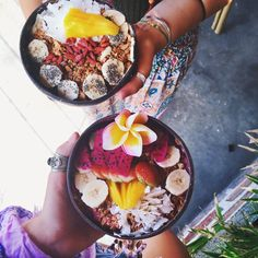 """agirlnamedally: """" findingyourinspiration: """" Even with all the craziness of Seminyak…the tourists, cars, shops, etc. We some how adventured and ended up at @nalubowls by coincidence!  Not a bad find @clairemrphy @isabellaamente #teatannedandtoned..."""