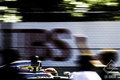 ensen Button with fan at 2014 Canadian Grand Prix. In her second post for F1Destinations, Lou Johnson gives us the lowdown on how to take great photos at F1 races, sharing useful tips and advice on kit, the basics, capturing speed and using your surroundings.