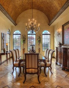 Like the pillar like vase holders in the background, wall color and windows Tuscan Design, Tuscan Style, Elegant Dining Room, Dining Room Design, Dining Rooms, Mediterranean Homes, Barrel Ceiling, Architecture, Tuscan Decorating