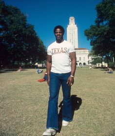 Earl Campbell strolls the campus ...