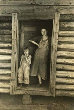 Sharecropper's wife and child in Walker County, Alabama. :: Alabama Photographs and Pictures Collection