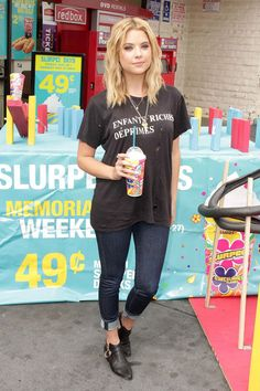 ashley-benson-4-outfit