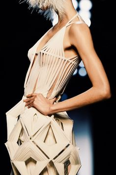 Jean Paul Gaultier : Runway - Paris Fashion Week - Haute Couture S/S 2015 Paper Fashion, Origami Fashion, Fashion Art, Runway Fashion, Fashion Design, Jean Paul Gaultier, Paul Gaultier Spring, Fashion Week Paris, Style Couture