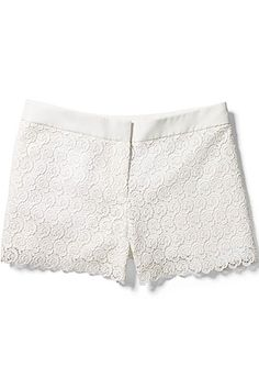 Lace shorts are the epitome of summer sweetness