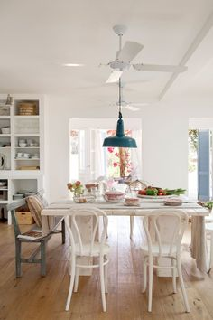 Post: Estilo mediterráneo en Formentera --> casas de vacaciones, casas de verano, diseño exteriores, estilo mediterráneo, estilo nórdico, decoración interiores, decoración en blanco, estilo cottage, mediterranean style, white interiors, country interiors, beach house