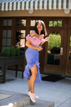 Stella Uzo Just Gave This Pretty Ensemble An Unexpected Twist! African Wear Dresses, Latest African Fashion Dresses, African Print Fashion, Ankara Dress Styles, Classy Dress, Classy Outfits, Stylish Outfits, Dress Outfits, Casual Dresses