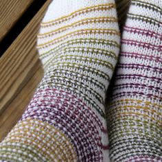 Ravelry: Rim Socks pattern by Niina Laitinen Fingerless Mittens, Knitted Slippers, Wool Socks, My Socks, Knitting Socks, Hand Knitting, Knitting Patterns, Knitting Projects, How To Purl Knit