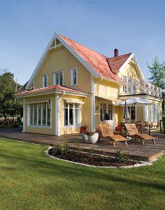 NYTT fargekart - Her finner du Jotuns mest anvendte farger for hus Tudor House, House Paint Exterior, Exterior Design, Style At Home, Cute Small Houses, Home Focus, Pintura Exterior, Outdoor Paint, Home Fashion
