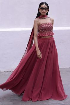 Party Wear Indian Dresses, Designer Party Wear Dresses, Indian Bridal Outfits, Indian Gowns Dresses, Indian Fashion Dresses, Party Wear Lehenga, Dress Indian Style, Indian Designer Outfits, Designer Wear