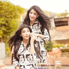 mawra hocane and urwa photos eyes style hair pics pictures images dress body Pakistani Models, Pakistani Actress, Pakistani Dresses, Cute Celebrities, Indian Celebrities, Celebs, Girl Photo Poses, Girl Photography Poses, Girl Pictures