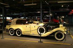 1923 Hispano Suiza Victoria Town Car with 6 Cylinder, 6 Wheel Model Retro Cars, Vintage Cars, Antique Cars, Jaguar, Hispano Suiza, Amazing Cars, Awesome, Car Car, Hot Cars
