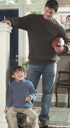 Men's Weekend Sweater - Free Knitting Patterns, Knitting Tips, How-To Knit, Videos, Hints and More! Mens Knit Sweater Pattern, Jumper Patterns, Sweater Knitting Patterns, Men Sweater, Knitting Sweaters, Easy Patterns, Knitting Patterns Boys, Ribbed Sweater, Knitting For Kids