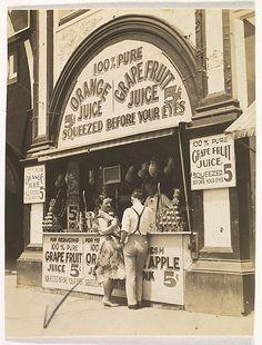 [Juice Stand, New York] Berenice Abbott (American, Springfield, Ohio 1898–1991 Monson, Maine) Date: 1929–30