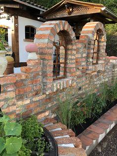 Le plus à jour Photos Barbacoa arquitectura Suggestions Garden Arbor, Indoor Garden, Outdoor Gardens, Fence Design, Garden Design, Landscape Stairs, Farm Plans, Casa Patio, Backyard Fireplace