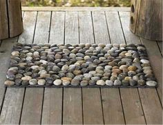 Check out this awesome new bath mat idea for you bathroom! Perfect for those who love to bring the outdoors inside!