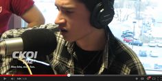 """16 Year Old Quebecer Sings Elvis' """"Blue Christmas"""" Better Than The King Himself"""