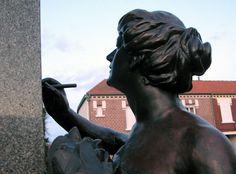 File:Roisel monument-aux-morts (détail) 1.jpg