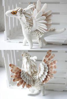 felt dragon Felt Dragons by Alena Bobrova on Etsy Needle Felted Animals, Felt Animals, Needle Felting, Fabric Toys, Felt Fabric, Felt Dragon, Felt Baby, Handmade Felt, Felt Toys