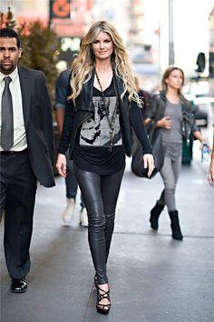 Streetstyle phong cách của những Thiên Thần Victoria's Secret - Edaily