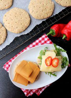 Grove polarbrød på 1-2-3 - LINDASTUHAUG Cooking Recipes, Healthy Recipes, Scones, Food And Drink, Cheese, Baking, Min, Diabetes, Chef Recipes