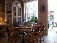 Same restaurant in France