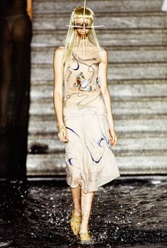 See the complete Alexander McQueen Spring 1997 Ready-to-Wear collection.